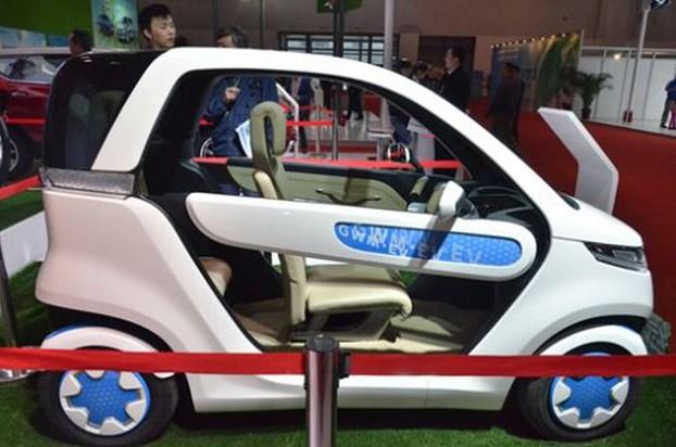 2008年在北京车展上,长城发布了欧拉这款两人座的纯电动小高清图片