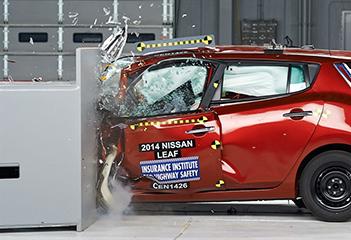 新能源车安全吗? 碰撞测试结果解读