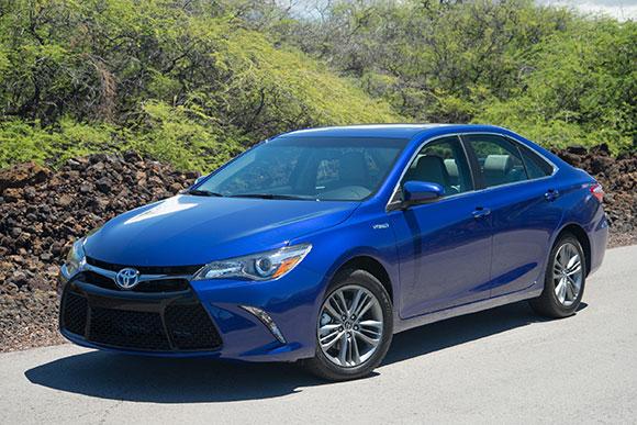 丰田新款凯美瑞混动版在美上市 起售价约合17.2万元