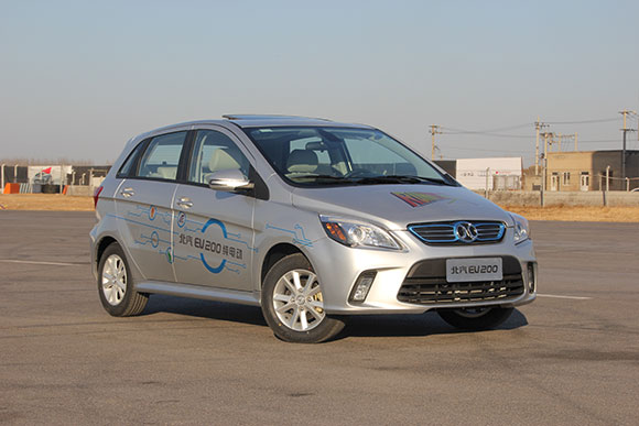 实拍北汽新能源EV200纯电动汽车