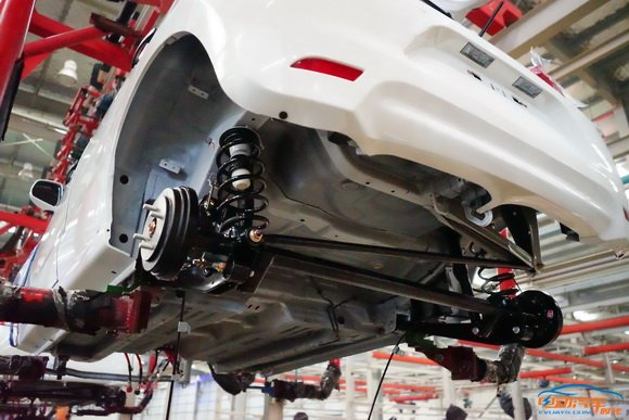 众泰云100S 电动汽车制造全过程高清图片