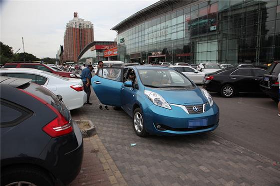 一年新车对折卖 新能源二手车何去何从