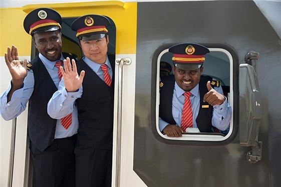 中国高铁出口非洲与新能源商用车现状