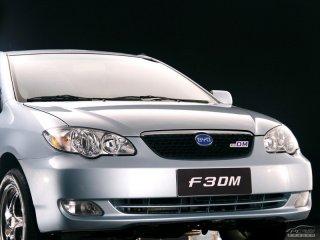 比亚迪F3DM正面