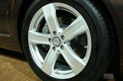 奔驰S400L车轮